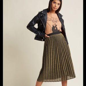 9c4ae5cc54b74 Women Black Modcloth Striped Skirt on Poshmark